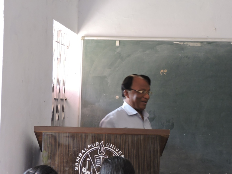 Prof. D.P. Kuity, Pt. Rabi Shankar University, Raipur, delivering an extramural lecture